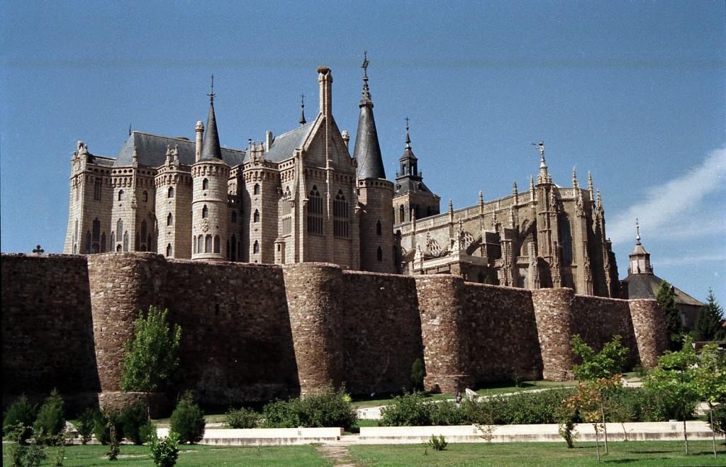 Visita completa a la villa de Astorga, Catedral, Palacio Episcopal y Casco Antiguo.