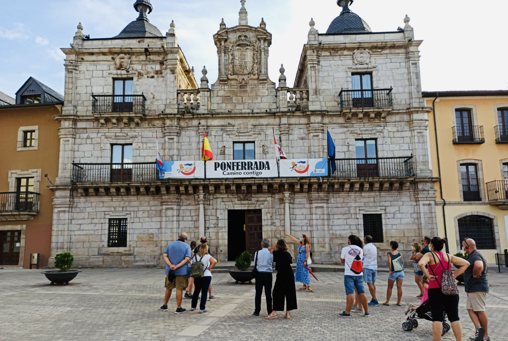 !Descubramos el mágico espíritu templario de los caballeros que llegaron a esta ciudad para protegerla en pleno Camino de Santiago!
