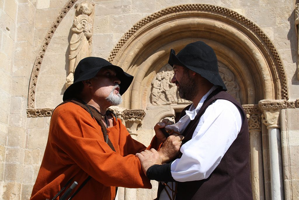 Dramatised visits in the city of León, Spain