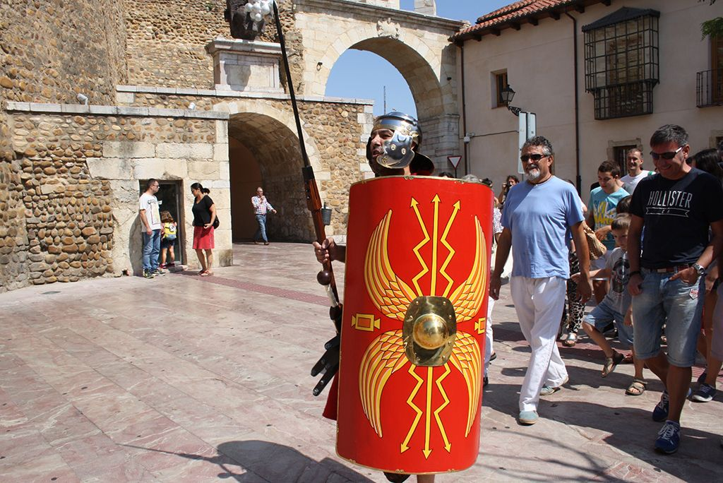 Dramatized visits in the city of León, Spain